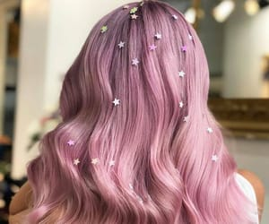 Hair Glitter: How to Wear the Trend in Real Life | Byrdie UK