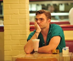 hot summer nights, alex roe, and hunter strawberry image