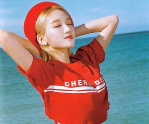 loona, kpop, and loona scans image