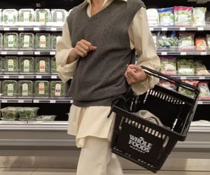 grocery store, everyday look, and wide leg pants image