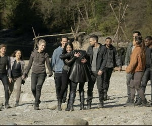 s7 and the 100 image