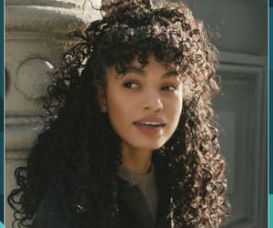 brown hair, natural hair, and curly hair image