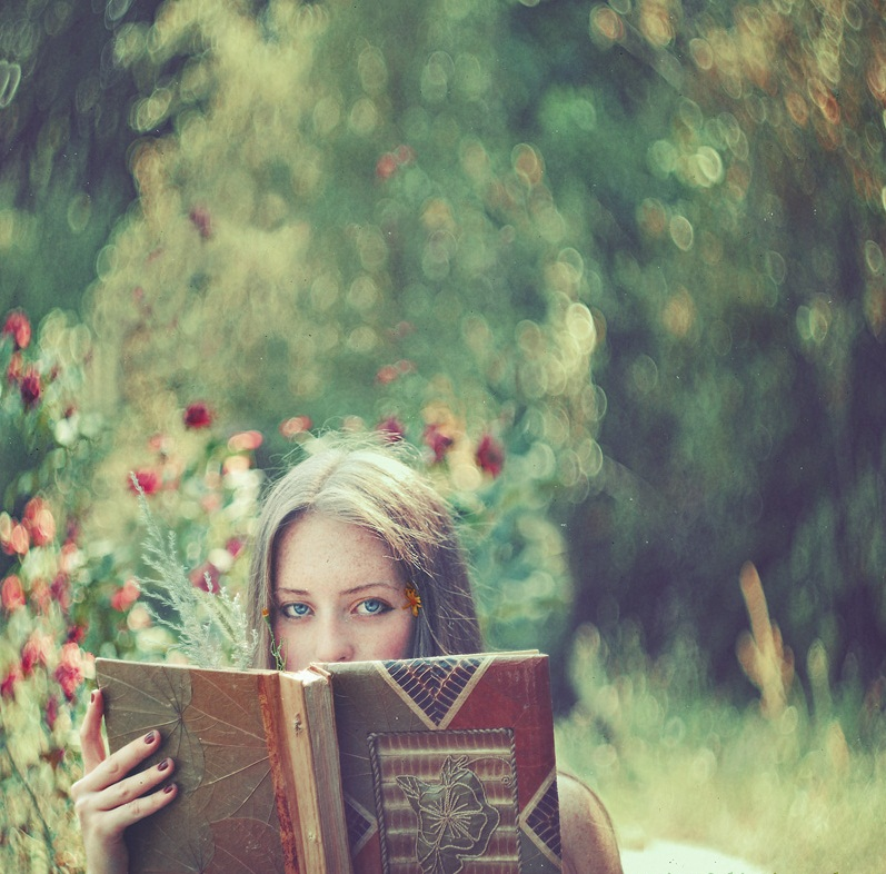 article, bibliophile, and bookworm image