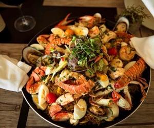 clams, garlic, and herbs image