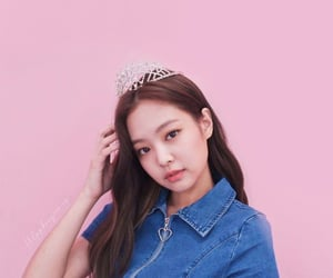 aesthetic, wallpaper, and jennie image
