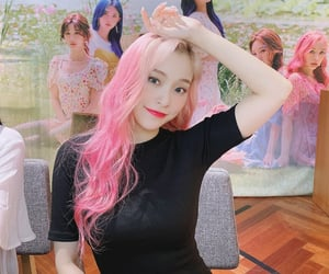 pink hair, twitter update, and lee gahyeon image