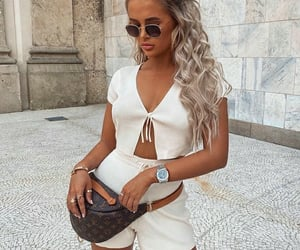 accessories, branco, and clothes image