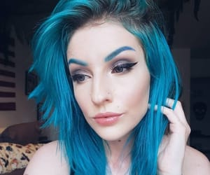 blue hair, alternative style, and dyed hair image