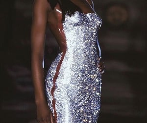 model, Naomi Campbell, and dress image