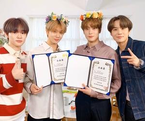 flower crown, kpop, and lee taeyong image