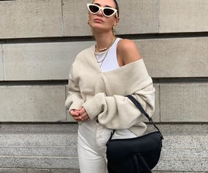 gold jewelry, everyday look, and fashionista fashionable image