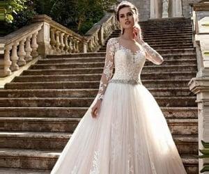 bride, tacones, and vestido de novia image