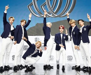 boys, group photo, and ten image