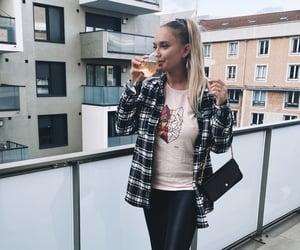 automne, blondgirl, and workinggirl image