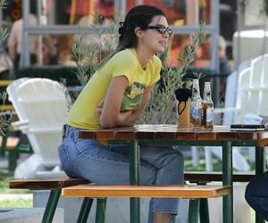October 12, 2020 - Kendall at the Malibu Country Mart in Malibu.