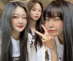 girl group, kpop, and yours image