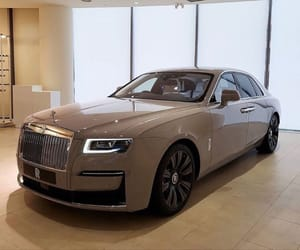 cars and rolls royce image
