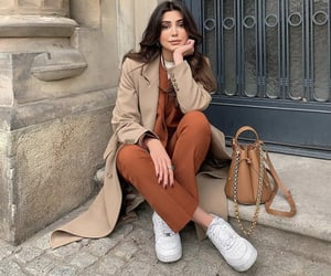 beige, moda, and winter image