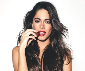 you, speciale, and stoessel image