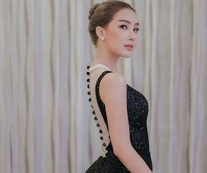 backless, transgender model, and tg beauty image