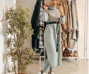 hijab, modest, and sue.meyraa image