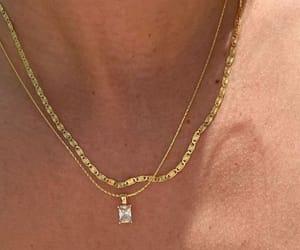 bijoux and jewels image