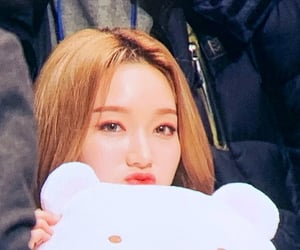 kpop, preview, and loona image