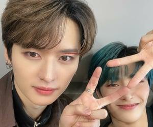 Minho, skz, and jeongin image