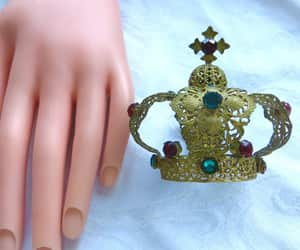 etsy, vintage crown, and religious statue image