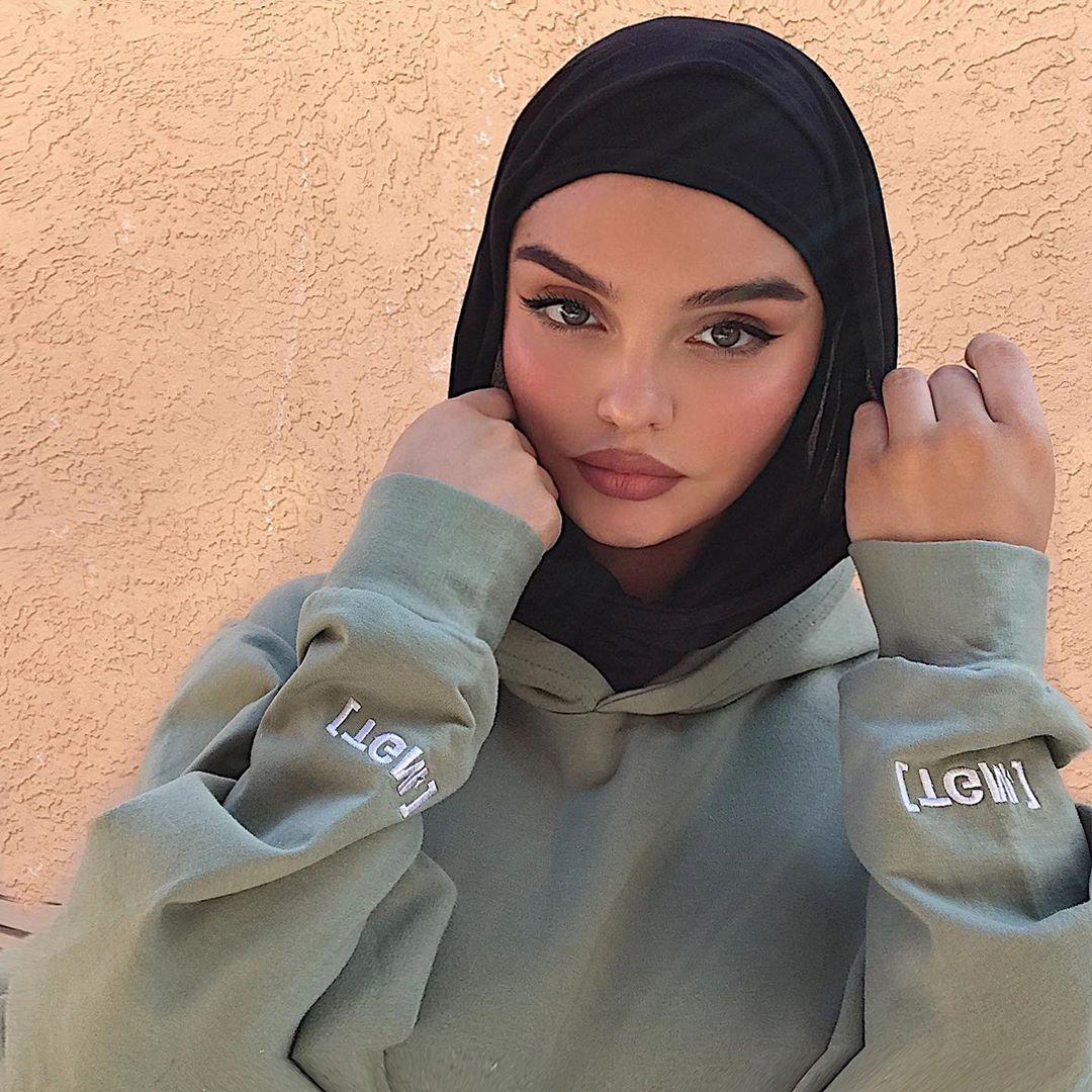 hijab, islam, and modest image