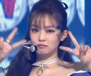 jennie lq stage