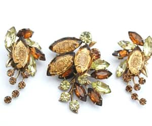 Judy Lee Flower Brooch and earring set brown Yellow image 0