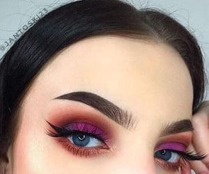 Beautyful eye makeup art........✨