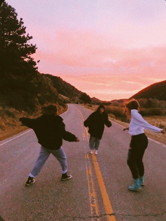 friends, sunset, and aesthetic image