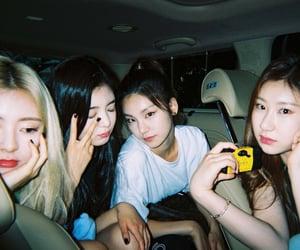 girls, kpop, and lia image