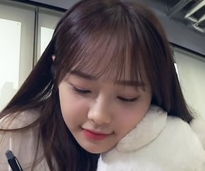 shes so fluffy....