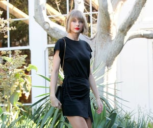 black, chanel, and Taylor Swift image