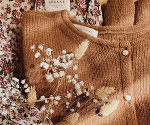 aesthetic, buttons, and flowers image
