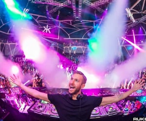calvin harris and electronic dance music image