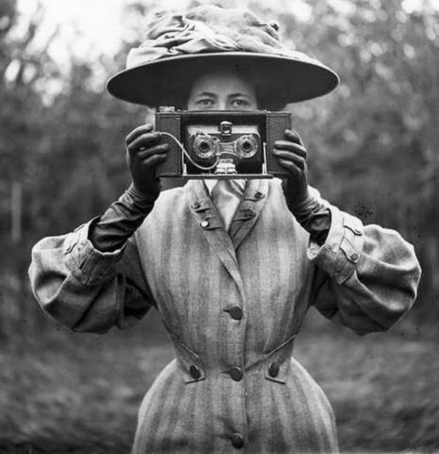 vintage, camera, and black and white image