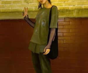 90s, girl, and fashion image