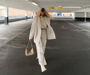 wide leg pants, beige blazer, and fashionista fashionable image