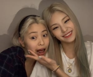 lq, itzy, and kpop image