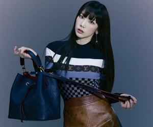 girls generation, taeyeon, and tiffany hwang image