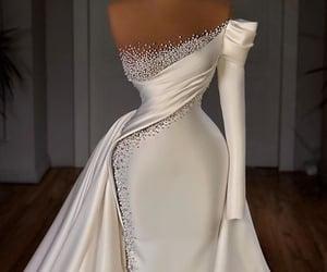 bride, style, and weddingdress image