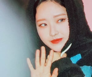 preview, hyejoo, and olivia hye image