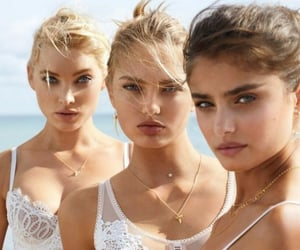 Beautiful Girls, bombshell, and taylor hill image