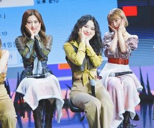 kpop, yeojin, and jinsoul image