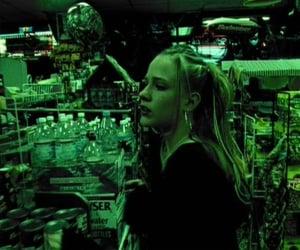 thirteen, thirteen movie, and thirteen 2003 image