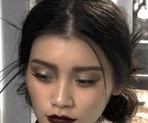 makeup, model, and ming xi image